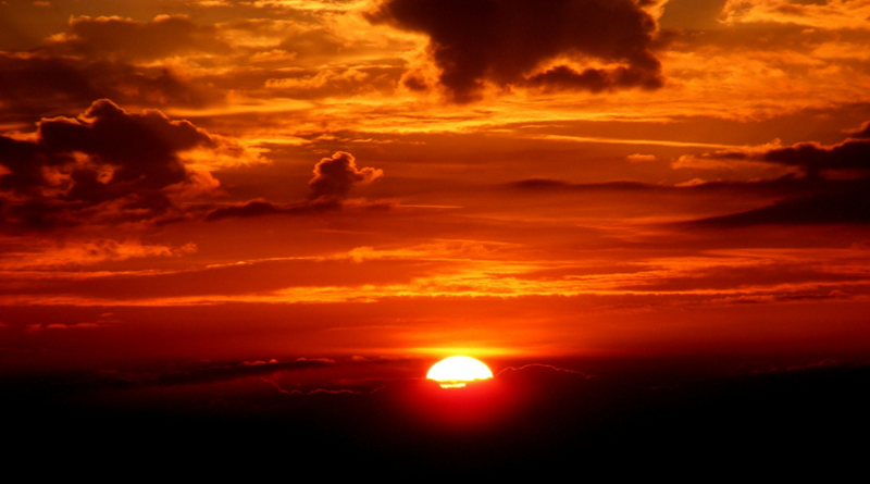 Image of cloud and sunset