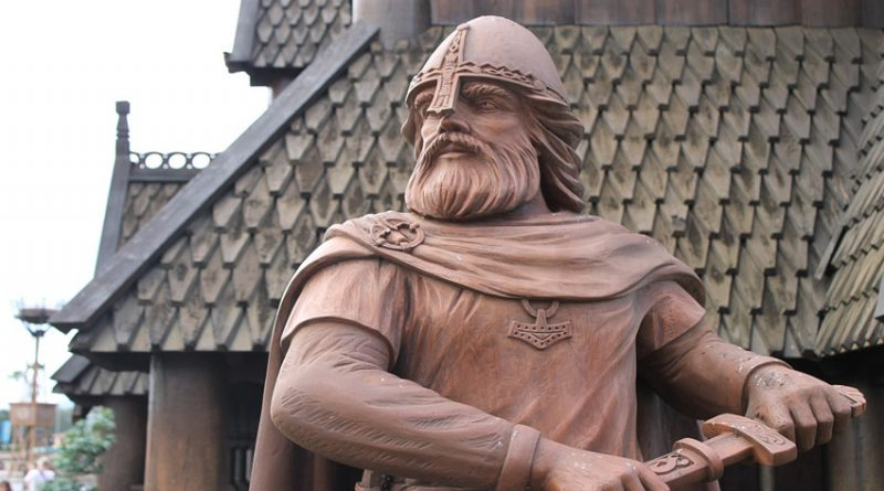 picture of a statue depicting a viking warrior