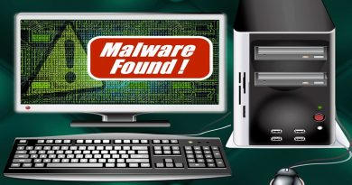Computer screen with 'malware found' warning displayed