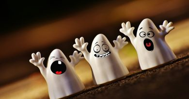 cartoon ghists screaming and being ghostly