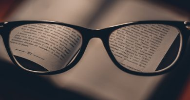 In focus text vseen through a pair of reading spectacles